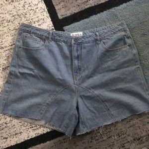 Liquor & poker plus longline wide denim shorts.
